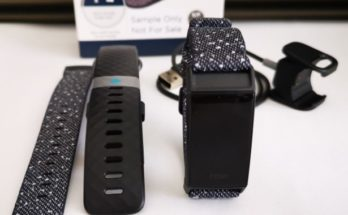 unboxing Fitbit Charge 4